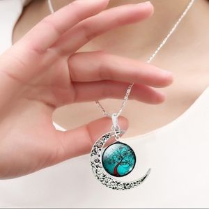 Jewelry - 🌙Crescent Moon and Datura Tree Cabochon necklace